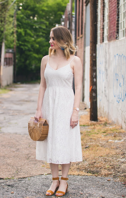 old-navy-white-lace-dress-cult-gaia-purse
