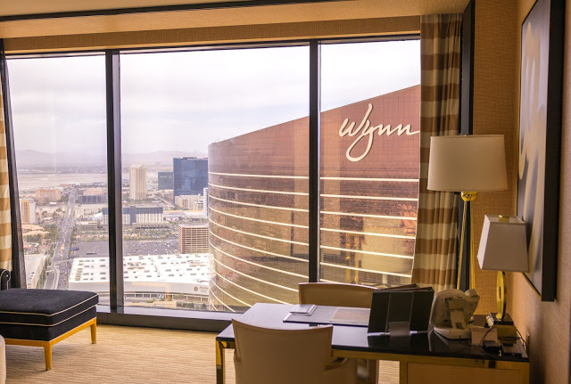 A PIPM Vegas Guide. Memphis Fashion Blogger Megan shares where to eat and stay in Las Vegas. This complete Vegas travel guide is perfect for your next trip.