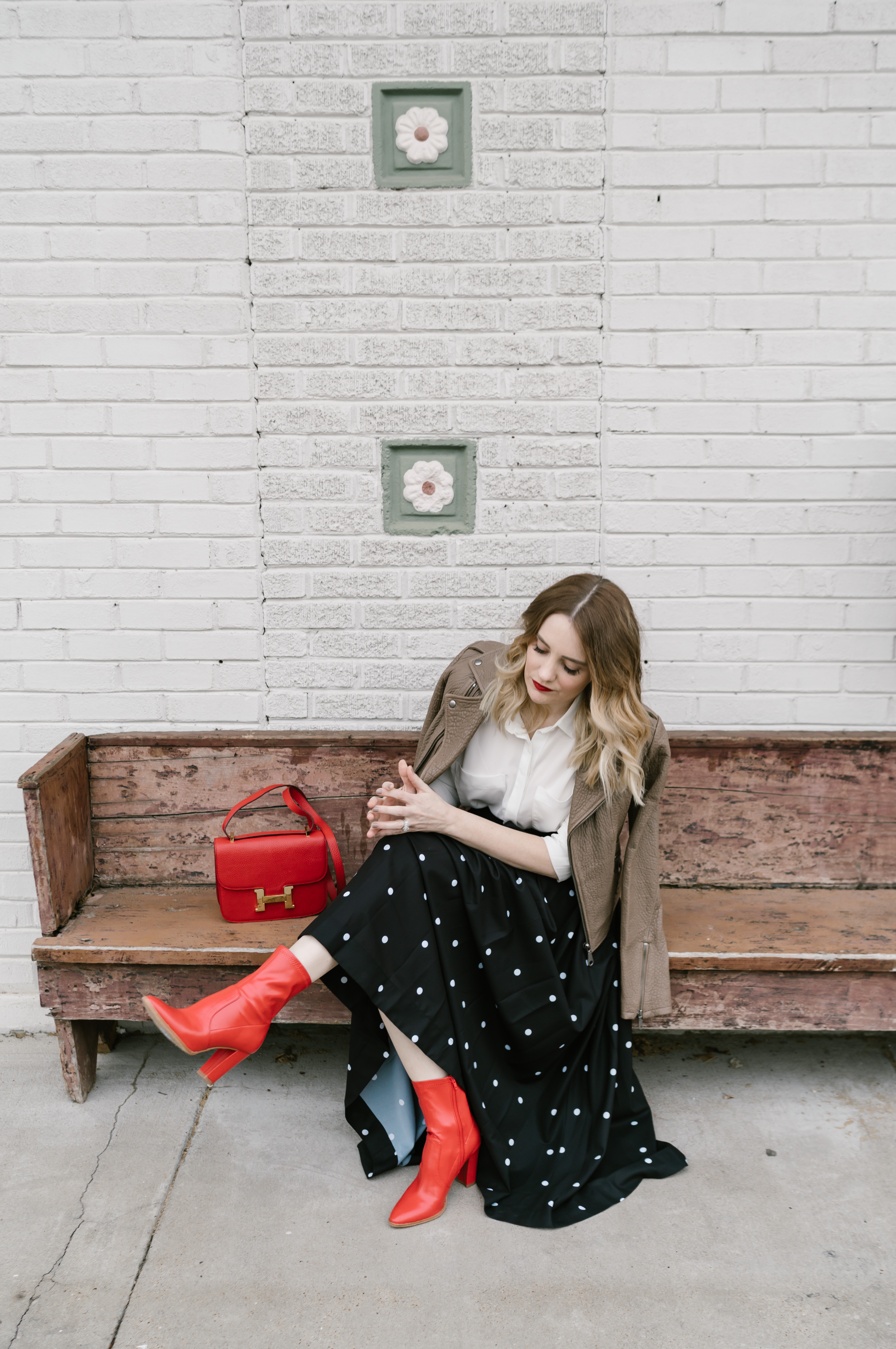 Are you ready for Fall's hottest trend? This Memphis Fashion Blogger is sharing the best red accessories for the entire season with easy to style tips.