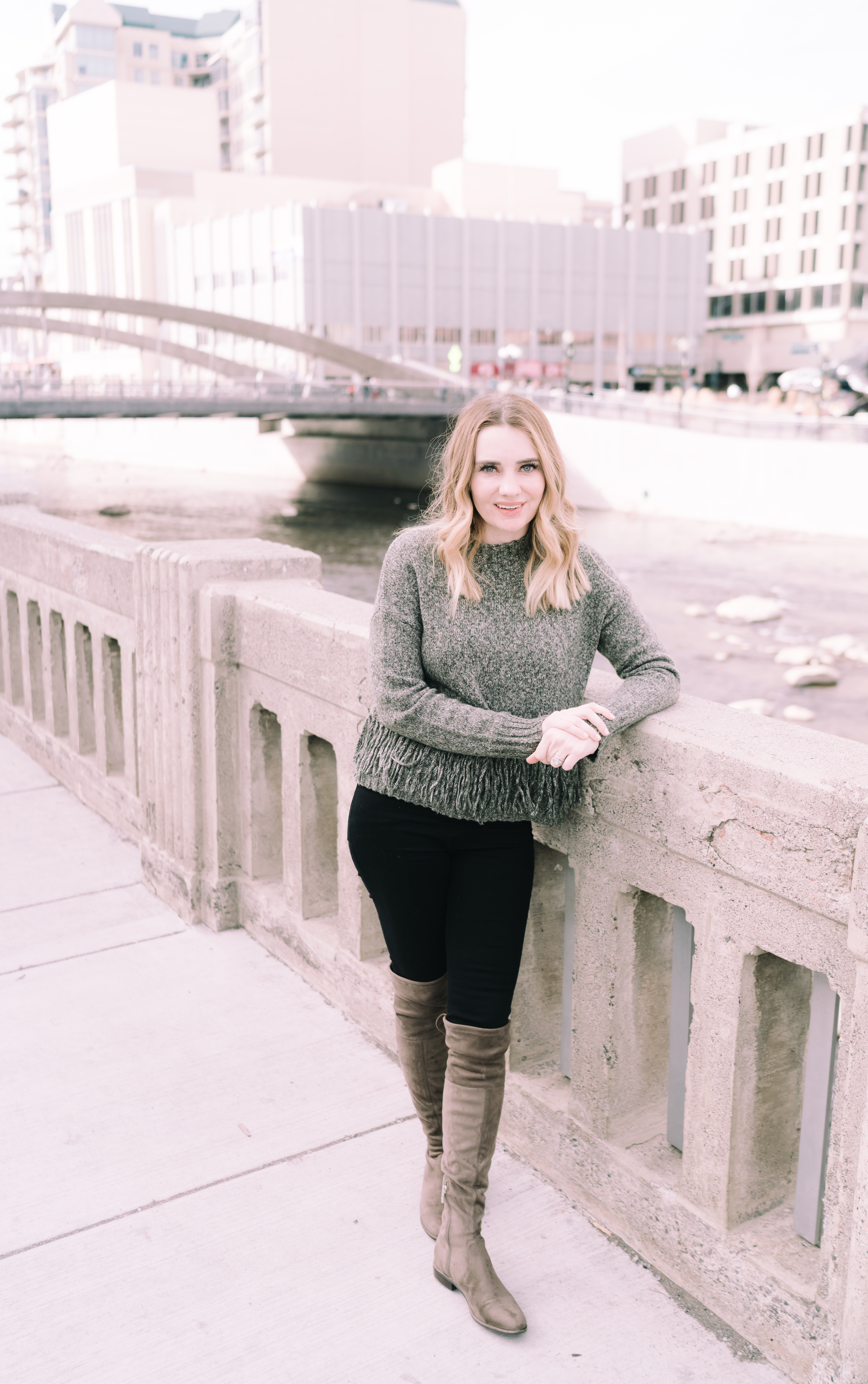 Memphis Fashion Blogger, Pretty in Pink Megan shares a full travel review of Reno, Nevada. Where to stay, what to wear, and what to see.