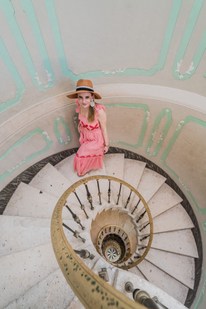 Vizcaya Museum and Gardens with Fashionable Hats